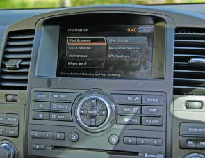A large screen Sat Nav and information display dominates the Pathfinder's dash.