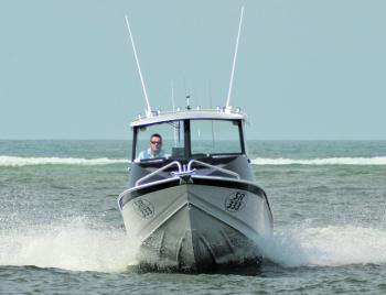 The hull of the McLay 591 ensures a smooth dry ride.