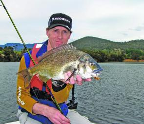 The author displays the quality of bream to be found in December – hardbodied and soft plastic lures are reliable presentations.