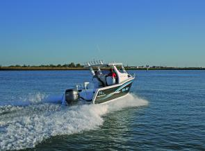 With 225hp on the transom, the Pursuit can rocket up to 38 knots.