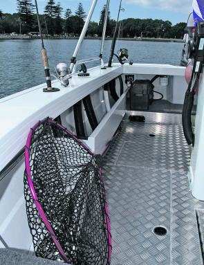 Roomy side pockets and even storage space for a big landing net.