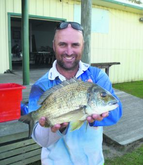 Anthony Duff with a lovely bream in a local bream comp.