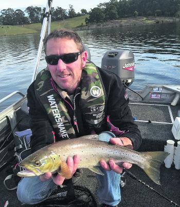 Fishing monthly magazines trout buzz across gippsland for Best fishing time today