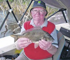 Ivor Pendlebury shows of a typical Bemm River bream.