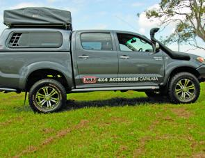 Fishing Monthly Magazines  Handy ARB Kakadu Roof Top Tent.   & Fishing Monthly Magazines : Handy ARB Kakadu Roof Top Tent