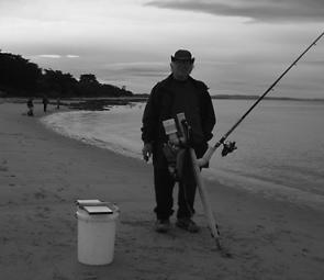 Barrie Smith with his multi-purpose rod holder. He's been catching whiting to 35cm and salmon lately.