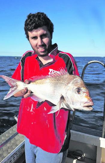 Blocker Salter with a nice snapper from Bellambi.