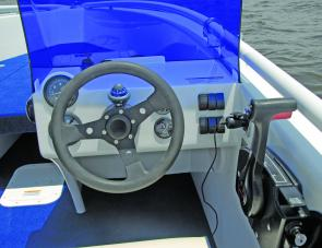 Moda Marine keep it simple with their tidy dash layout.