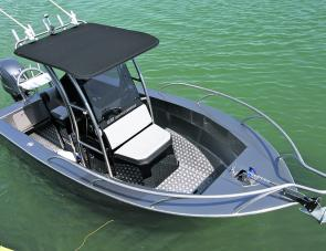 A purpose built fishing boat, the 570 Centre Console has loads of space all around the console.