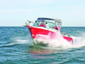 The 5.80DF sits has plenty of freeboard which gives it great sea-going capacity.