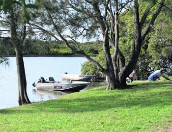 Boat and kayak access to the river is available just beside the holiday park.