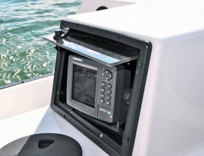 The aft electronics box fits small sounders but is unsuitable for larger, more modern units.