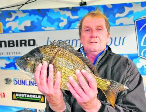 Alan Wilson shows off $500 of Gladiator Big Bream (1.75kg).