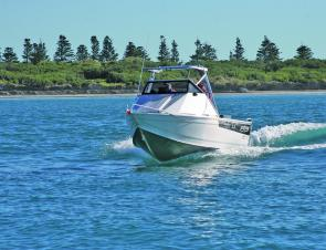 The Surtees Workmate 5.5 cuts a clean profile through the water on a beautiful Warrnambool day.