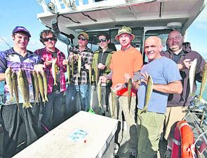 These keen anglers display a nice selection of whiting from around Western Port.