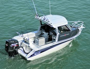 The McLay 611 Hard Top powered by a lightweight 200 Suzuki 4-stroke is a great looking rig.
