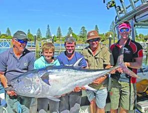 Andrew Carew, Dave Conway, Lochie Carew, Steve Carew and Simon Rinaldi with a cracking SBT taken out of Portland.