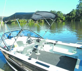 There's plenty of room in the cockpit to move around. When fishing out the back of the boat, the swivel chairs allow you to sit under the canopy when it's hot. The high 61cm high gunnels make it easy to brace yourself when fishing.