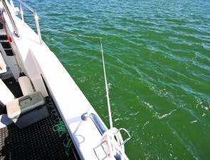 Once in position, a triangle is created between the anchor rope and Ezy Lay rope. This stops the boat from yawing.