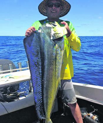 Brad Kearns with a mahimahi that came from one of the FADs off Sydney.