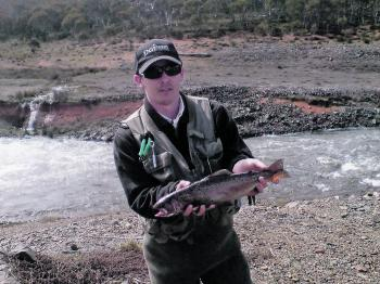 The fast moving water where Tantangara Reservoir exits into Lake Eucumbene at Providence Portal is a popular and productive location for fly anglers and a good location to try out the specialised technique known as Czech nymphing.