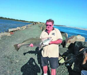 Harington local Dave with a breakwall jewfish on live bait.