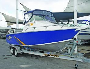 The sharply raked bow and 20° transom deadrise of the Yellowfin 6700 allow it to slice through the waves.