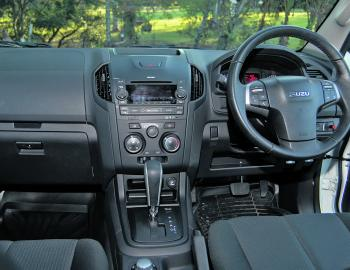 A neat centre console set-up sees the 4WD and other controls very conveniently placed for the driver.