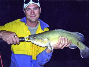 Murray cod can be tempted during cold weather occasionally on lures but more commonly on bardi grubs, yabbies or