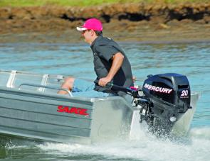 The Mercury 20hp is a compact engine with typical four-stroke quietness and smoothness.