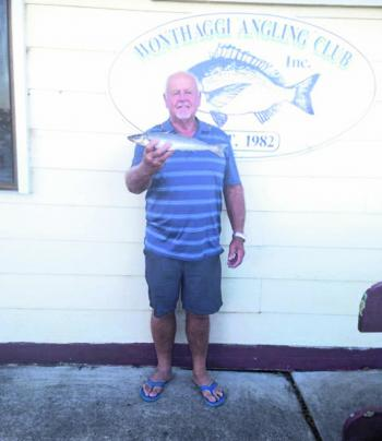 Wonthaggi angler Alan Bentick with a winning fish in the veteran category.