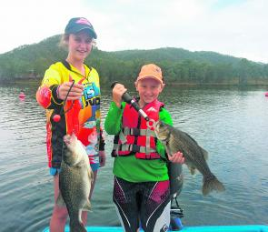 Lacey and Blake got stuck into the Cressbrook bass trolling 20' divers along the buoy line and in Bass Bay.