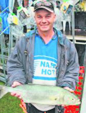 Steve Curnow took out the heaviest tailor title with a 2.773kg specimen.