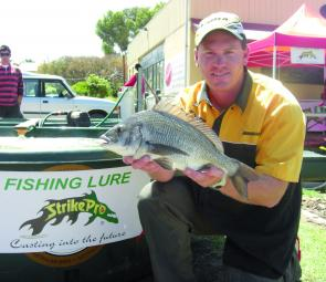 Brad Hodges kicked off the 2008 ABT season in style by winning the boater section of the Strike Pro Glenelg River event.