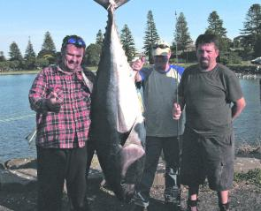 Jason Verberg and crew with their fish of 98kg.