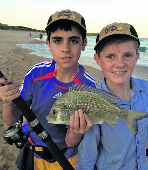 A decent bag of whiting and a stud bream for 13yo Vincent and friend Liam. On its first run the bream peeled off 25-30m of 3kg braid!