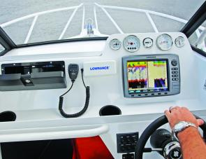 A Lowrance HDS10 took pride of place on the Goldstar's dash, also note the lower shelf with drink holders.