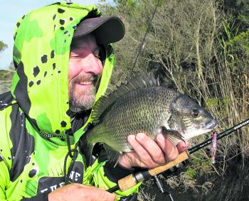 Frosty mornings have been producing terrific scores of bream recently. Thick jackets, beanies, gloves and hoodies help keep the cold out while the bream bite hard early in the mornings or late afternoon.