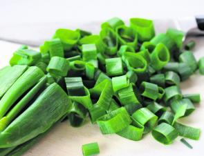 Sliced spring onions.