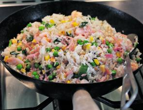 Cook up the fried rice.