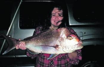 Kellie Stewart with a beautiful snapper from the Ballina town stretch of river.