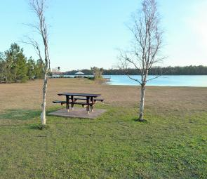 If you enjoy camping in very quiet places the Lenthalls Dam camping area is for you.