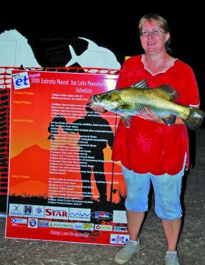 Leah Eussen won a mystery weight prize for her 3.34kg barra.