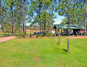 Well maintained grounds are a feature of the Lake Monduran Holiday Park.