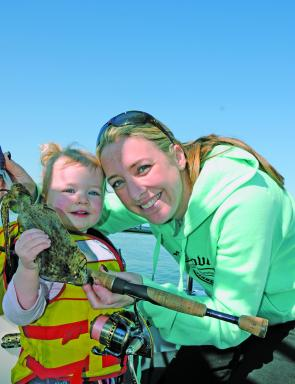 In between the bad weather there has been plenty of squid on offer with Rach and Mia having plenty of fun on the squid.