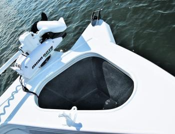 The Renegade offers the best of both worlds. A rotomolded anchor well keeps the noise down, while an optional electric motor mounting plate offsets the MinnKota to the port side.