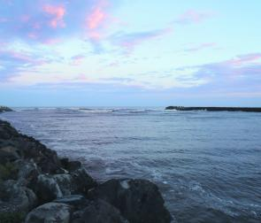 The Ballina Breakwalls at sunset: Prime time and a good spot for big Winter mulloway.