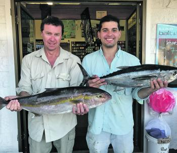 John Lawson with his 5.5kg samsonfish and Steve Espinoza with a great 4.5kg tuna caught at Black Rock.