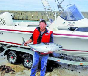 Rod Stephens with a SBT taken off Warrnambool.
