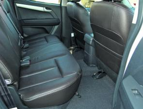 With this amount of head and leg room, rear seat passengers in the LS-Terrain are not likely to be cramped.